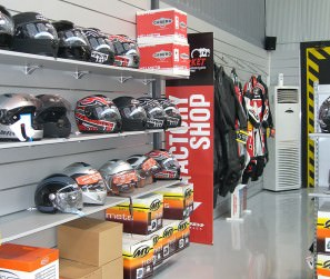 Moto-Market-Moto-Shop-Design-10